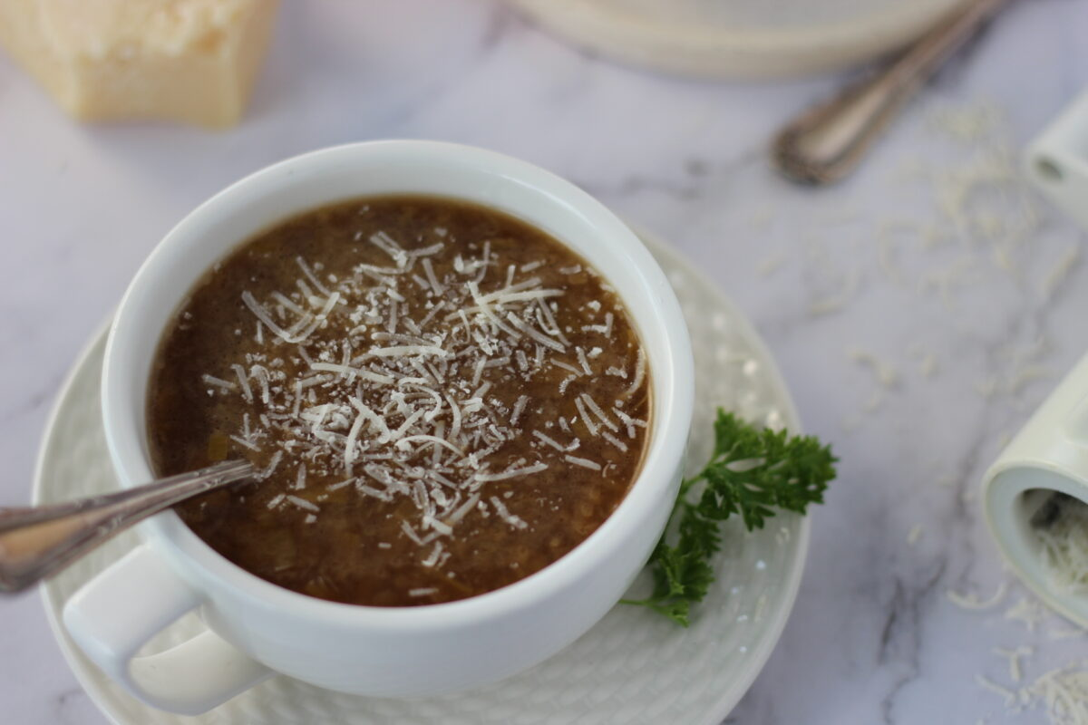 onion and leek soup with parmesan