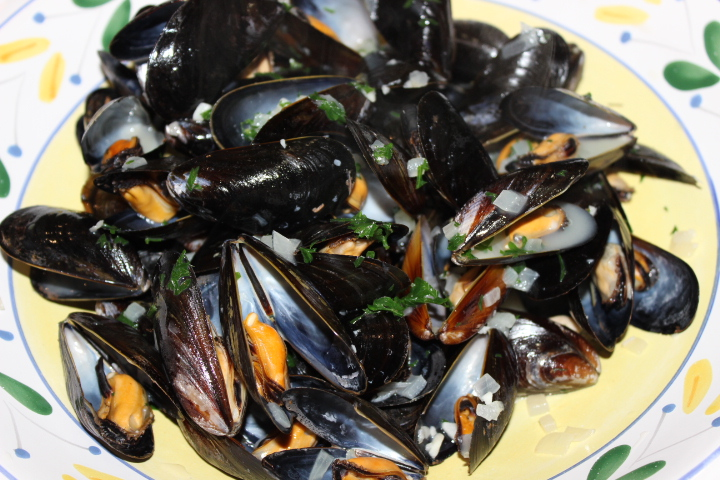 mussels in white wine lemon and garlic