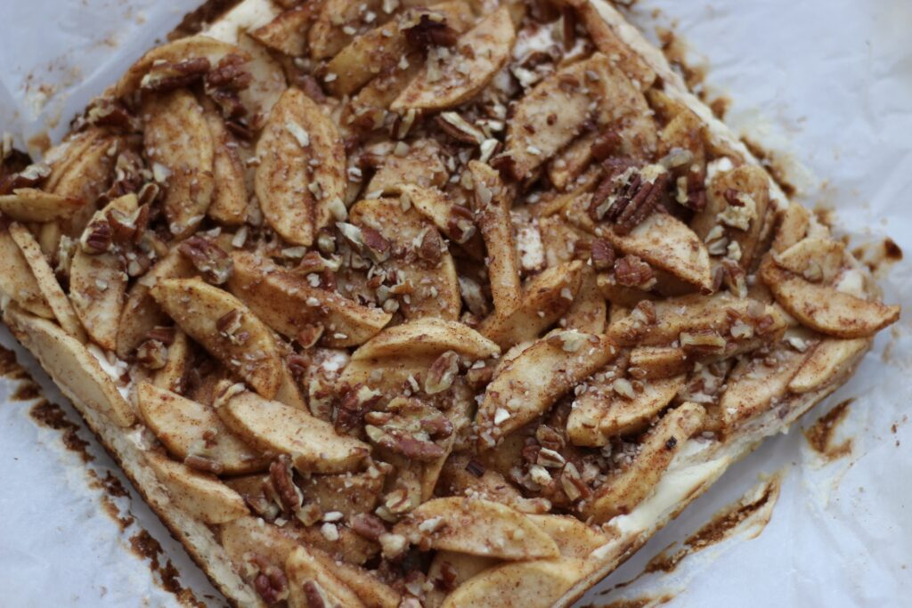 apple cream cheese squares